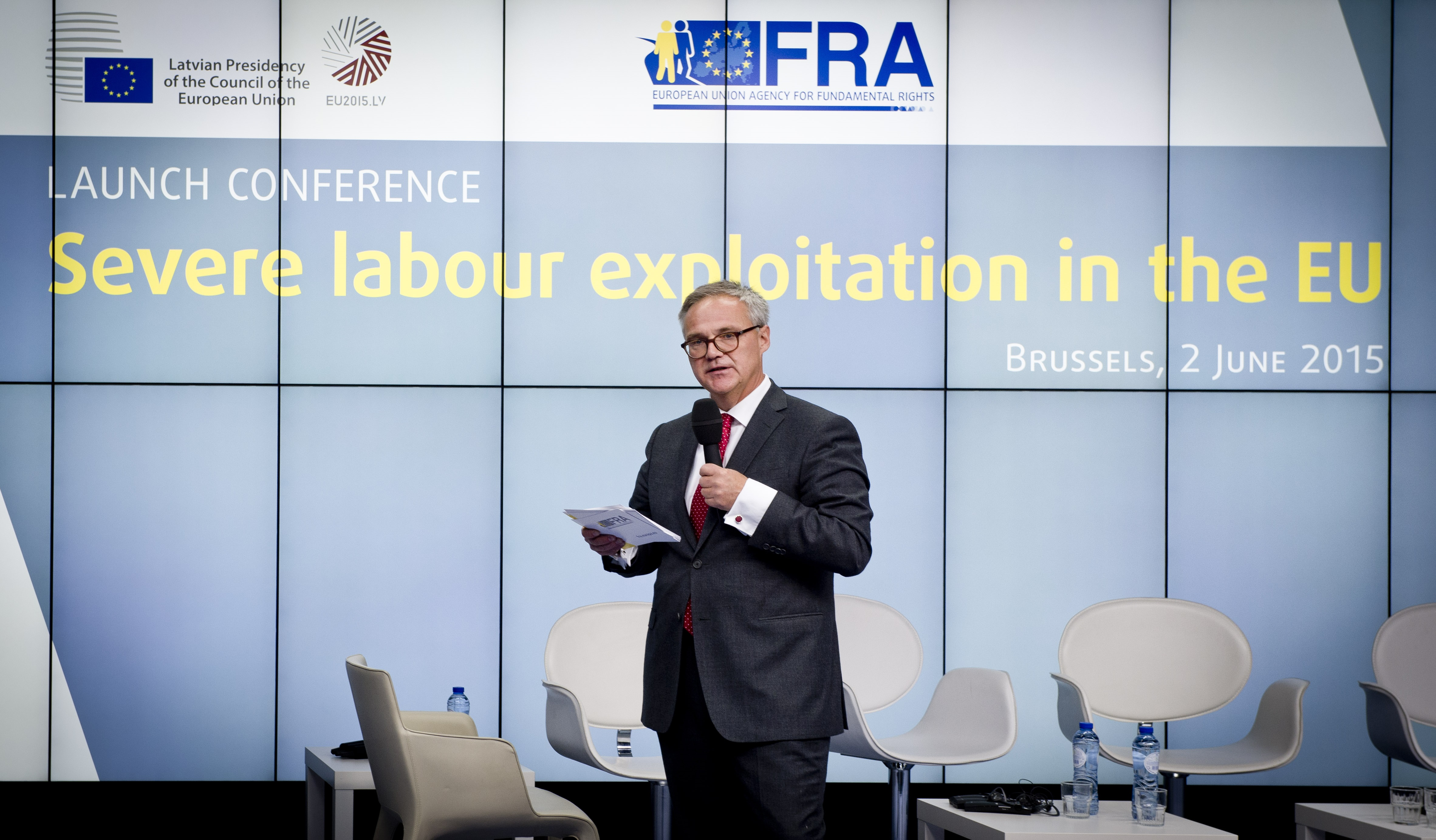 FRA's Friso Roscam Abbing welcomes participants