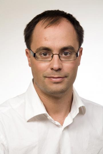 Dennis van der Veur (E.MA, MSc)