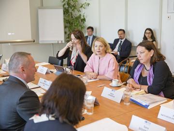 EMPL delegates MEP Jongerius and MEP Trebesius visit FRA
