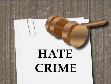 Améliorer l'enregistrement des crimes de haine pour mieux soutenir les victimes