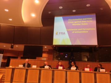 Ioannis Dimitrakopoulos, Head of FRA's Equality & Citizens' Rights Department, presents the antisemitism survey results at the European Parliament, 26 November 2013