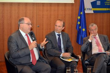 f.l.t.r: Ariel Muzicant, Board member of the European Jewish Congress, Morten Kjaerum, FRA Director, Serge Cwajgenbaum, Secretary General, European Jewish Congress