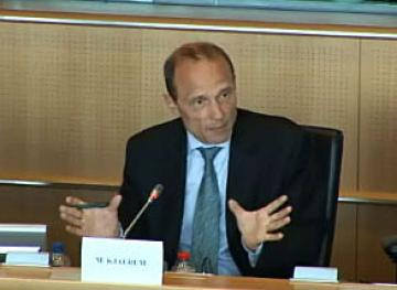 FRA Director Morten Kjaerum addresses the European Parliament's LIBE Committee, 6 May 2013
