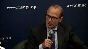 FRA Director Morten Kjaerum speaks during a panel debate at a conference on hate speech in Poland, 18 September 2013.