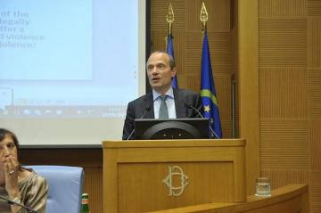 Morten Kjaerum speaking at the conference 'Safe from fear, safe from violence'