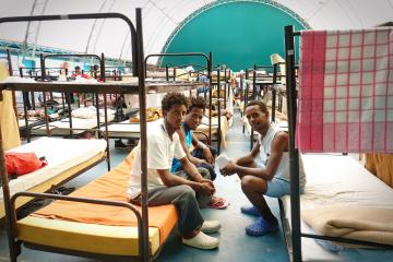Stronger control over standards in migrant reception centres needed
