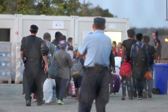 Les refoulements de migrants suscitent des préoccupations croissantes dans certains États membres