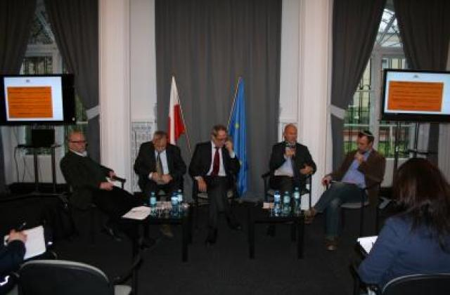 FRA presents antisemitism survey results at Polish Ombudsman conference